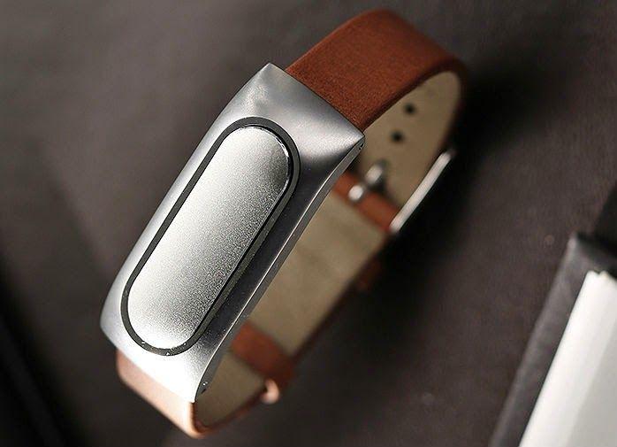 Xiaomi Mi Band обошел Apple Watch в России