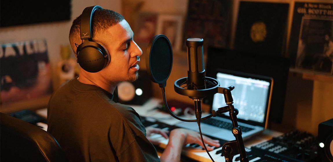 Beyerdynamic представила серию микрофонов и наушников PRO X