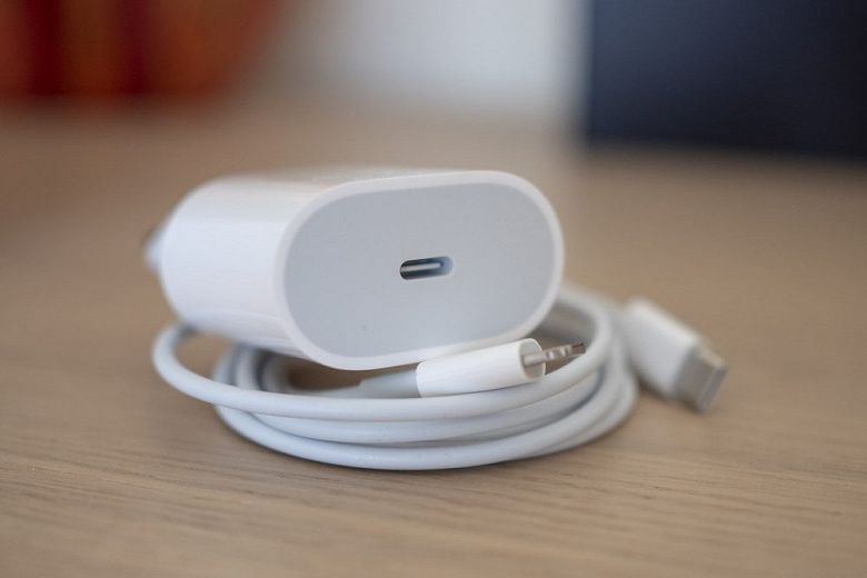 Apple выпускает зарядку мощностью 25 Вт