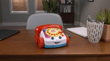 Игрушечный телефон Fisher-Price Chatter можно подключить к iPhone